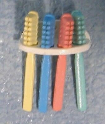 Dolls House Miniature 1/12 Scale Toothbrushes & Holder