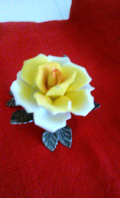 Yellow porcelain Capodimonte rose with metal leaves BEAUTIFUL