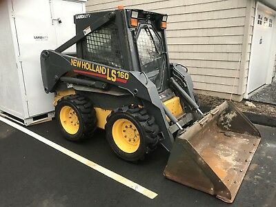 2006 NEW HOLLAND LS160 SKID STEER LOADER ENCLOSED CAB WITH HEAT - One Owner