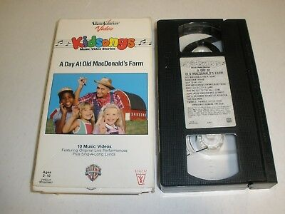 Kidsongs - A Day at Old MacDonalds Farm (VHS)