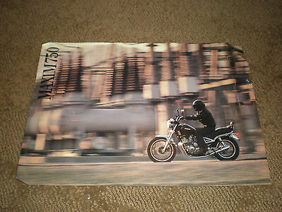 1983 Yamaha MAXIM 750 Motorcycle Sales Brochure - ORIGINAL - PRINTED IN JAPAN