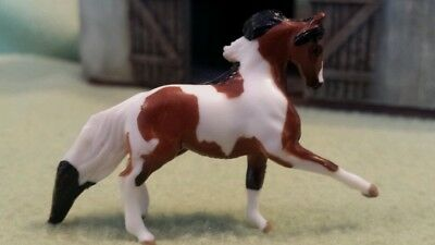 IZZY Mini Whinnies Surprise Series 2 Beyer Animal Creations 28mm scale horse