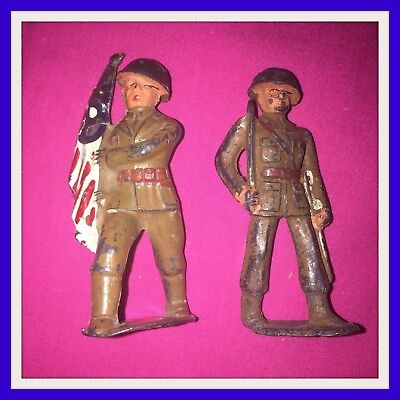 x2 vintage MANOIL BARCLAY US ARMY WW1 SOLDIERS CAST METAL FLAG BEARER + INFANTRY