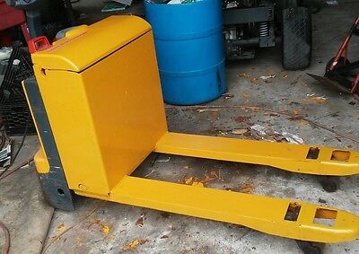ELECTRIC PALLET JACK 4400lbs capacity