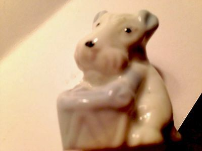 """Vintage  3"""" porcelain hollow schnauzer paws on a drum --  Adorable unmarked"""