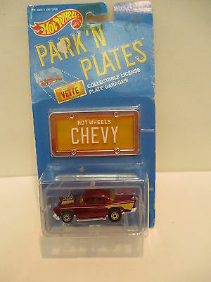 Hot Wheels Park'N Plates 57 Chevy with Garage   Collectable Classic  Vintage