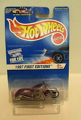 Hot Wheels Scorchin' Scooter First Edition #9  Fabulous Colossal  Collectable