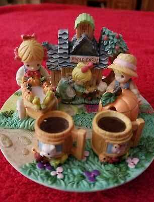 1997 Precious moments by Enesco  Country Lane miniature teasea #312738L