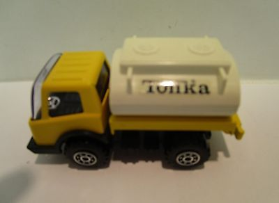 Tonka Toy - Small Tank Truck - Yellow    Classic  Collectable