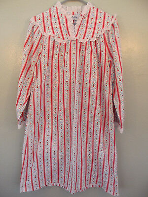 "Vintage~LANZ OF SALZBURG~Red Heart Pattern, Flannel Granny Nightgown~46""Bust"