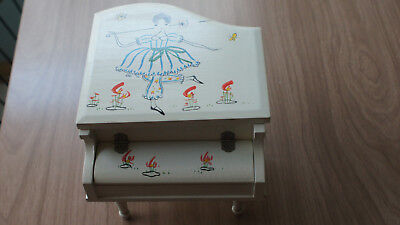 Vintage 1950s? little girl's music jewelry trinket piano box, Japan