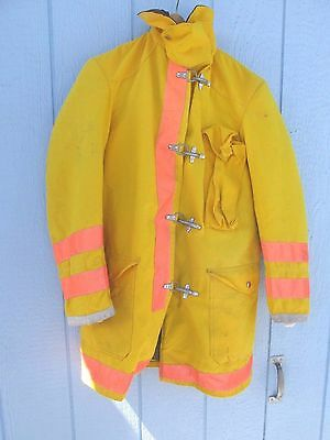 Globe Firefighters Turnout Bunker Coat Size 32/35 Kings County  Circa 1986