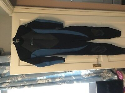 0a8a5660d8 Women s Wetsuit O Neill Blue And Black New UK Size 12 and Rash Guard