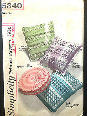 5340 VTG Simplicity HOME Knife Edge Pillow Smocked Cushion Covers Pattern UNCUT