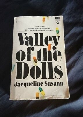 *VINTAGE Retro COLLECTABLE BOOK - VALLEY OF THE DOLLS By JACQUELINE SUSANN*