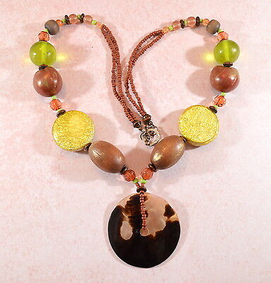 Vintage/Vtg style chunky mother of pearl beaded pendant necklace