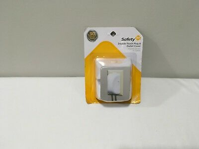 Safety 1st 4 Pack Double Touch Plug 'N Electrical Outlet Covers