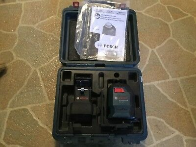 Bosch Professional GLL 2-20 360 Degree Laser Level in Case With Mount Attachment