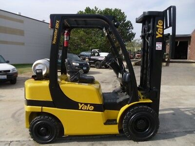 Pneumatic Tire Forklift: Yale GLP050VX