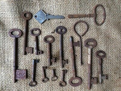Collection Of Small Used Vintage Door Lock & Clock Keys Etc