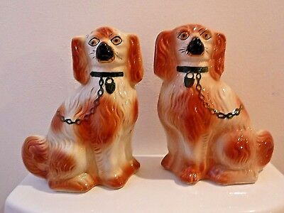 VINTAGE Staffordshire English Pottery Pair of Spaniel Dogs Art Pottery