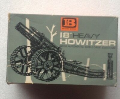 Britains Models No. 9740 18'' Heavy Howitzer with Shellcase !!