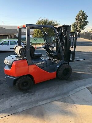 toyota forklift 5000 lbs cap triple stage sideshift pneumatic