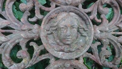 BEAUTIFUL ANTIQUE FRENCH TIMEWORN CAST IRON PLAQUE WITH FACE VIGNETTE c1880