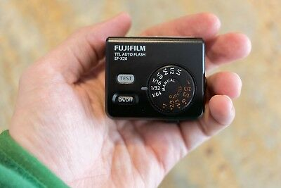 Fujifilm  EF-X20 Flash , SUPERB condition with case and stand