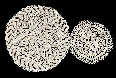 Beautiful Delicate Vintage ~ Antique  pair of white Bobbin Lace doilies! Mint!
