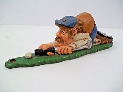 "1998 DAVID FRYKMAN Golf Collection ""Golfer Kneeling Cue Shot"" Resin Figurine"