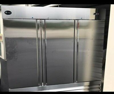 Saba Air ST-72R 3 door reach in Refrigerator