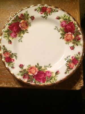 Royal Albert - Fine Bone China - Old Country Roses Bread Plate 6.25""