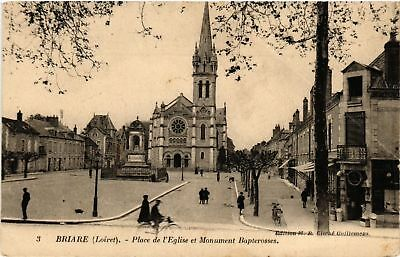 CPA  Briare - Place de l'Eglise et Monument Bapterosses  (632181)