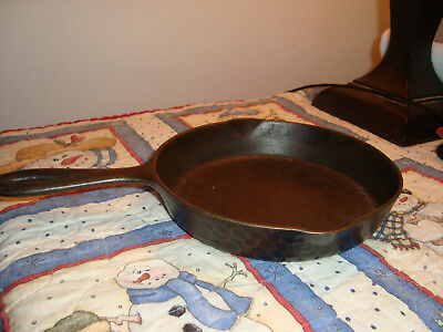 Antique Cast Iron WAGNER? lodge? CHICAGO HARDWARE FOUNDRY HAMMERED   SKILLET