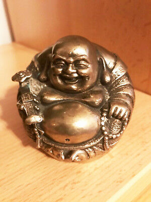 Happy-Maitreya-Buddha (siberfarbenes Metall, China, H 7 cm, B 8 cm, T 8 cm)