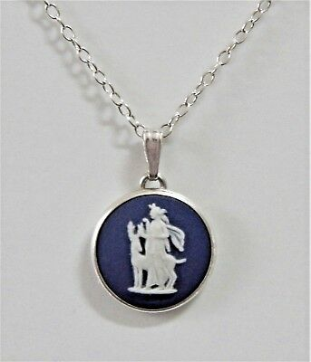 Wedgwood Silver Pendant Necklace Dark Blue White Jasper Cameo Diana 1974 Boxed