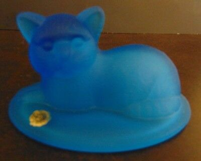 Vintage WESTMORELAND GLASS  Frosted Blue Cat