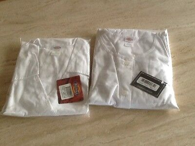 NWT DIckies  LG White Lab Coat, Back Tie, Cuff Wrists, And Top With Pockets, NWT