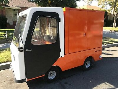 2013 TAYLOR-DUNN industrial flatbed electric utility cart