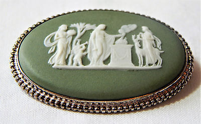 Wedgwood Brooch Sterling Silver Oval Green Jasper Cameo Vintage 1970 Boxed