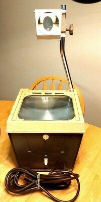 Vintage 3M Co. Overhead Projector 567