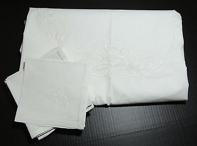 EMBROIDERED Lotus Pattern TABLECLOTH & TWELVE  NAPKINS - White Cotton - OVAL