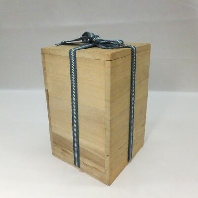 F061: Japanese wooden storage box for flower vase made from KIRI.