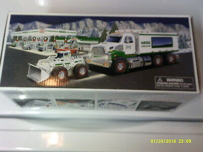 2008 Hess Truck And Payloader MIOB Spotless