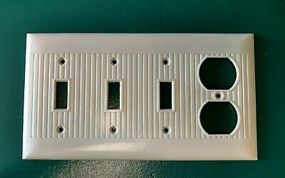 Vtg Sierra Bakelite Ribbed Multi Light Electrical Outlet Plate Wall Cover Ivory