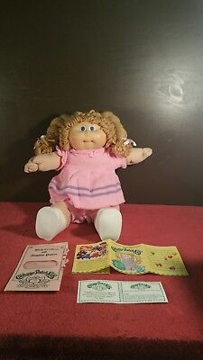 Cabbage Patch Kid Doll Xavier Roberts Stamp 16 Inches blond Hair Blue Eyes  3950