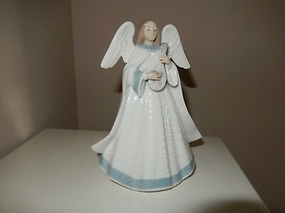 "LLADRO  ""Angelic Melody"" # 05963,  Perfect Condition"