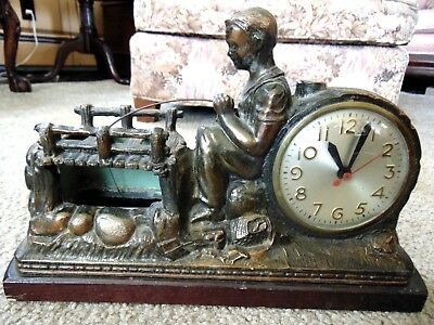 Vintage Sessions Huckleberry Finn Animated Clock Lamp Boy Fishing