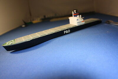 P& O Container ship by Triang Minic ships in 1200 scale